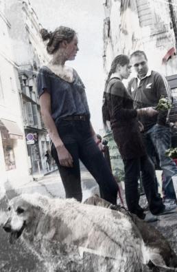 JAN LIPINA femme et chien 4