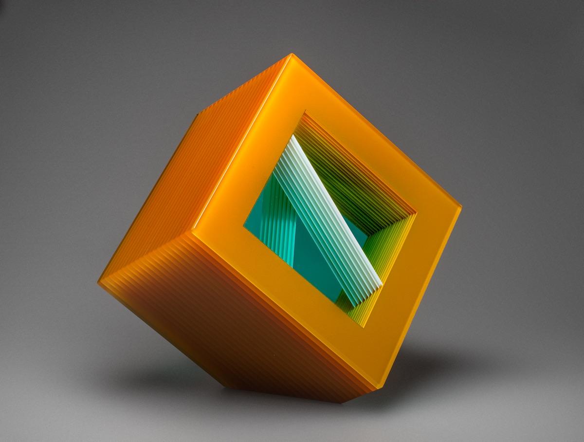 BOHUMIL ELIÁŠ ML. Stavba žluté, 30x30x22cm, 2017, malované a lepené sklo