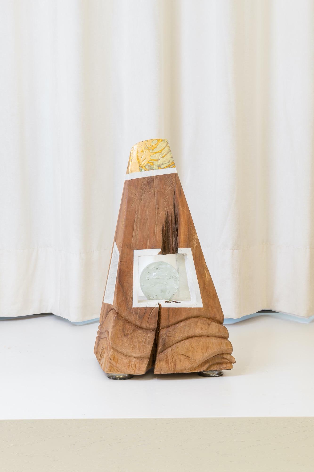 JAKUB BACHORÍK Genesi-drevo, sklo, kov 45cm